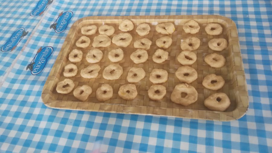Cuinem 'rosquilles' de Setmana Santa